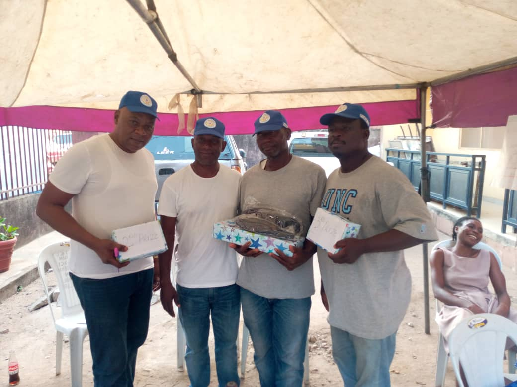 Oshola likeminds President Tunde oyelola commends Sanwo-Olu on various projects commissioned - Senator Adeola Yayi remains a Grassroots Democrats-President likeminds A winners has emerged after a 3 days Ludo competition organized by Oshola likeminds Club as part of event line up to mark Easter celebration in oshola street phase 3, in ifako ijaiye, Lagos Nigeria, the maiden edition winner is Mr Isaac Ameenu, while Sunday Adeyemi is the first runner up and Mr Folaran the second runner up, they all went home with various prices About 18 participants took part in the competition, Earlier in his welcome address, the President of Oshola Like-minds Club, Mr Tunde Oyelola welcome all to the maiden edition of the Easter Ludo competition for members of the club, the president charged all participants to be there Brother's keeper as the competition is just one of the ways to say there is unity in oshola likeminds, he also emphasized that all work without play make jack a dull boy remarked that the aims of the competition is to bring more light into the club that will foster unity among members, he said such competition will continue in the nearest future. Mr Oyelola said the next event will be bigger than this because non-members will be allow to take part in the subsequent competition Meanwhile the President of the club, Mr Tunde oyelola also used the occasion to commend the Lagos state Governor Babajide Sanwo Olu for his tireless effort in bringing dividend of democracy to the door step of Lagosian, he said the recent commissioning of the Agege overhead bridge and so many loudable infrastructural project attest to the fact that, lagosians will benefits more from Gov. Sanwo-olu government, confirming more good projects still coming Mr President also commends on Senator Solomon Olamilekan Yayi for all his loudable work and project across his constituency, he said Yayi has created a niche for himself and wherever he decides come 2023, he will surely get full supports from him a