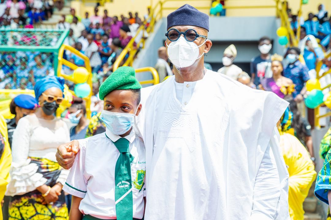 2021 Children's Day: Abiodun gifts scholarship to SSS 2 student